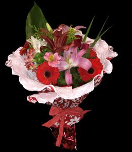 cod 224 - Ramo con gerberas, liliums y flores varias en tonos rosados envueltos con papel crep italiano