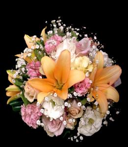 cod 417 - Ramo con liliums, mini rosas y liciantus