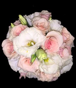 cod 420 - Ramo chico con liciantus y rosas rosadas
