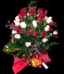 cod 104 - Florero con rosas varias