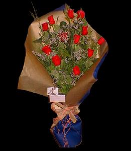 cod 106 - 12 rosas importadas con colores a elección de flores y papeles