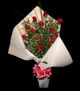 cod 111 - 12 rosas importadas con colores a elección de flores y papeles