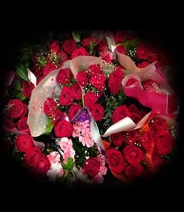 cod 114 - Ramitos de 6 rosas rojas